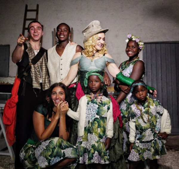 Madonna You Won T Believe How Many Kids Some Of These Celebs Have Mabel Moxie David banda mwalw ciccone ritchie can be an adopted child of sensational american singer, dancer and celebrity madonna. madonna you won t believe how many