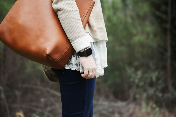 Everything You Should Be Carrying In Your Mom Purse