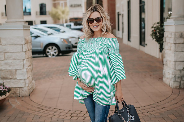 Pretty Spring Maternity Looks You'll Love